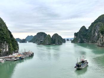 Ha Long Bay Cruise 14