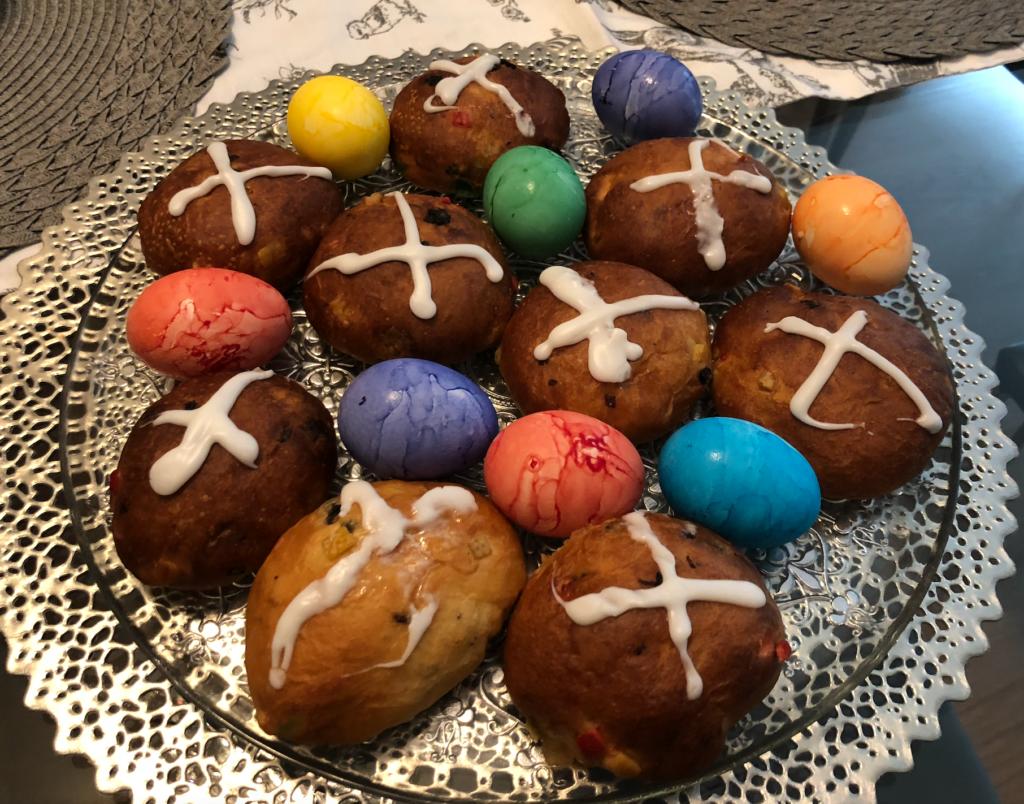 A Festive Easter Menu at home
